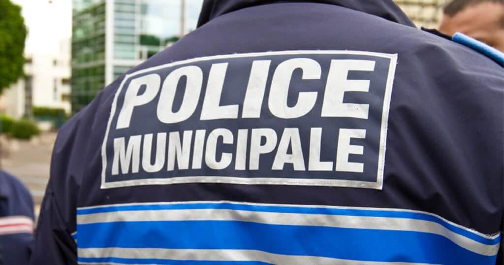 polie municipale à Leers